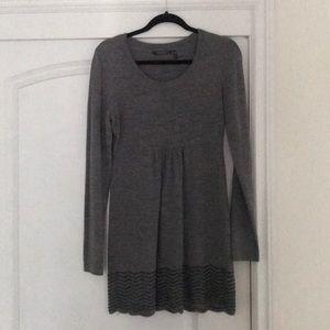 Grey Daisy Fuentes Babydoll Tunic, size Medium